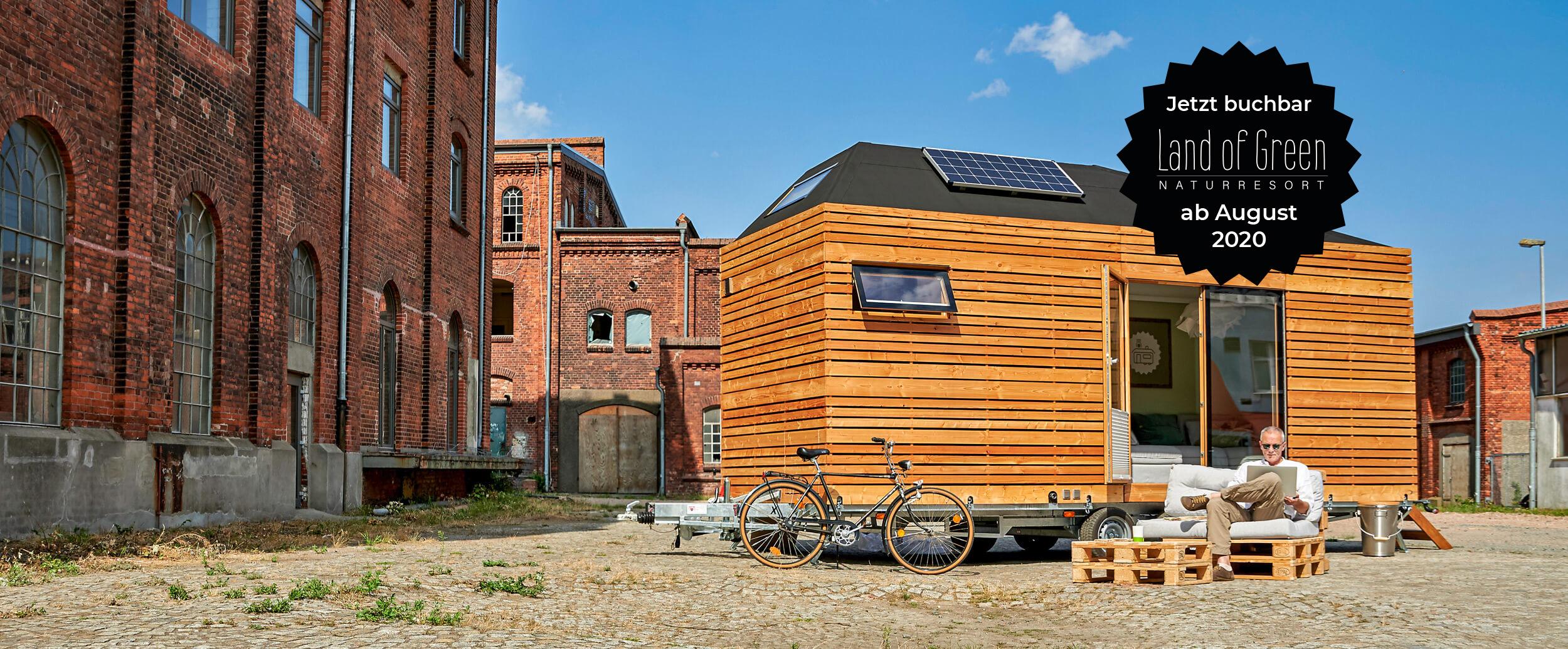 Aufgebautes Tinyhouse in urbaner Umgebung